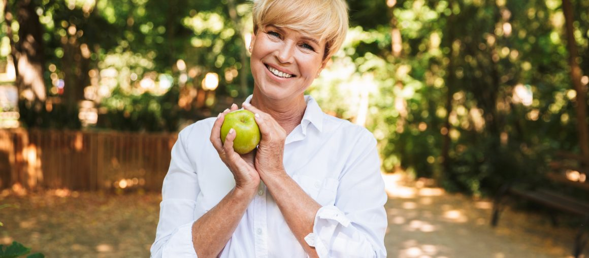 4 Ways Women Can Stay Healthy in Retirement