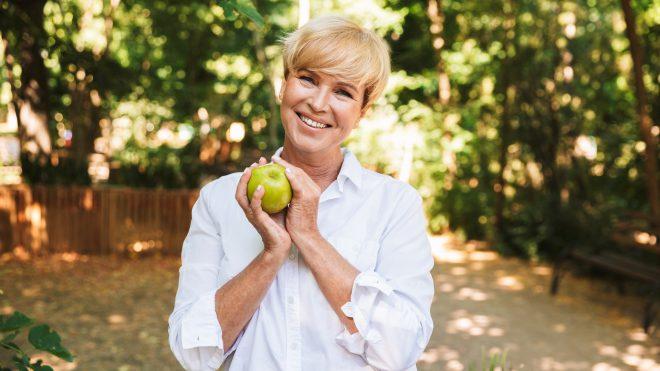 4 Ways Women Can Stay Healthy in Retirement