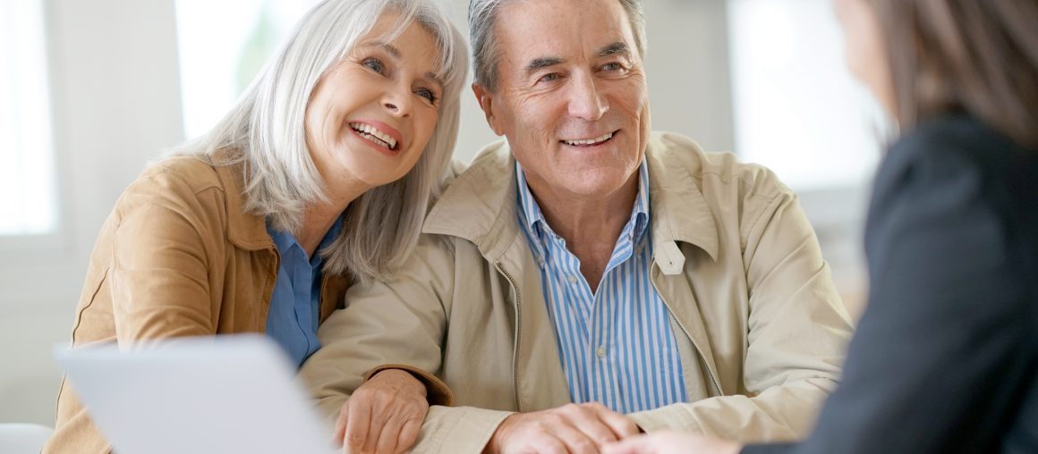 How to Decide When to Hire a Retirement Advisor.